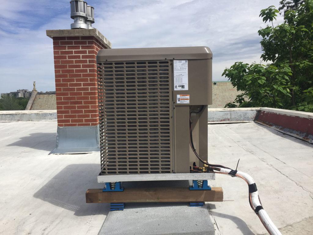 thermopompe sur toit